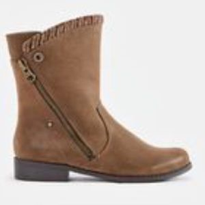 Tan boot with zippers